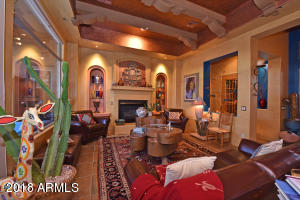 10126 E HAPPY HOLLOW Drive, Scottsdale, AZ 85262