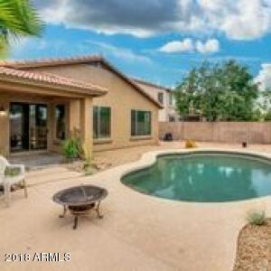 Great pool, no neighbors behind you, desert landscaping