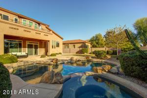 5231 E HERRERA Drive, Phoenix, AZ 85054