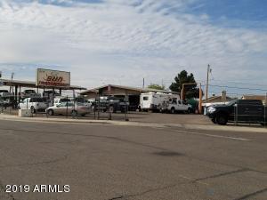 8135 W GRAND Avenue, Peoria, AZ 85345