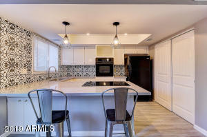 2809 E FAIRMOUNT Avenue, Phoenix, AZ 85016
