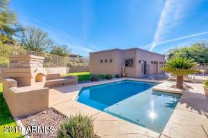 16240 E Balsam Dr 4 bed/3.5 bath home for sale in Fountain Hills, AZ 85268. Beautiful Yard
