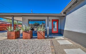 7010 N 11th Place, Phoenix, AZ 85020