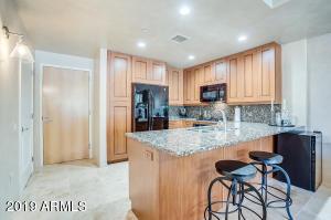 7161 E RANCHO VISTA Drive, 1009, Scottsdale, AZ 85251