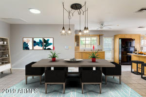 ENTERTAINER'S DELIGHT, THIS IS A RARE FIND IN CENTRAL PHOENIX PROPERTIES.