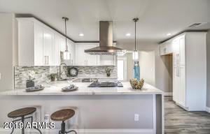 1835 E WHITTON Avenue, Phoenix, AZ 85016