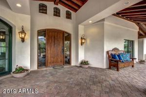 6718 E SAN JUAN Avenue, Paradise Valley, AZ 85253