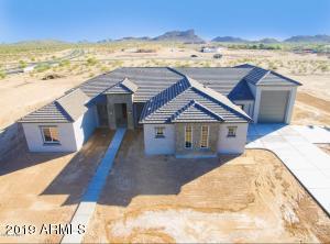 461 W LARIMER Street, San Tan Valley, AZ 85143