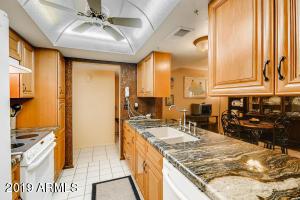 5608 W HEARN Road, Glendale, AZ 85306