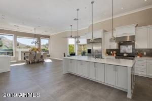 11705 E PARKVIEW Lane, Scottsdale, AZ 85255