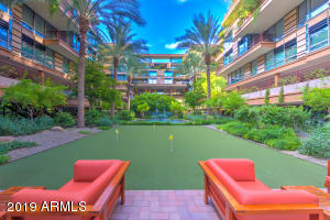 Gorgeous complex, just north of Fashion Square in Scottsdale.