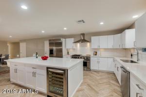 2246 W VIRGINIA Avenue, Phoenix, AZ 85009