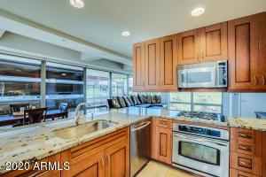 7157 E Rancho Vista Drive, Scottsdale, AZ 85251