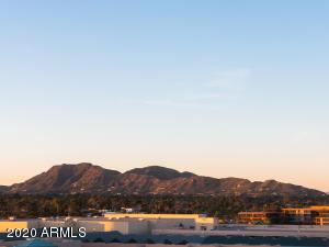 7181 E CAMELBACK Road, Scottsdale, AZ 85251
