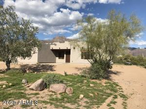 103 S SIXSHOOTER Road, Apache Junction, AZ 85119