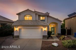 4702 E LAVENDER Lane, Phoenix, AZ 85044