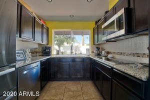 3010 E WELDON Avenue, Phoenix, AZ 85016
