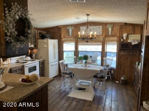 Open layout in this Beautiful Cabin Like Home!