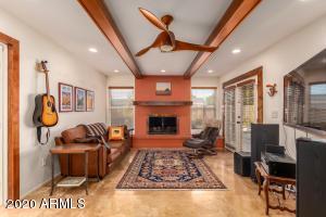 8628 E WILSHIRE Drive, Scottsdale, AZ 85257