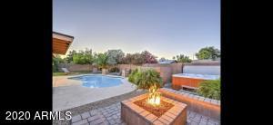 2060 W PORTOBELLO Avenue, Mesa, AZ 85202