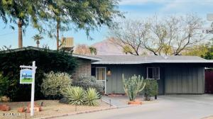 Mid-Century styling with Camelback Mountain Views