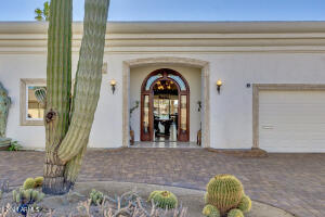 14017 N WHISPERING LAKE Drive, Sun City, AZ 85351