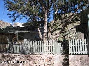 Historic Rebuilt, Remodeled Cabin NE of Phoenix on Camp Creek