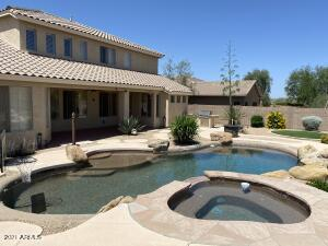 Beautiful back yard with sparkling pool