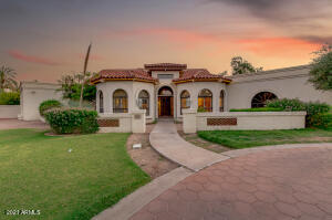 6211 E HUNTRESS Drive, Paradise Valley, AZ 85253
