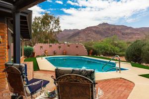 10890 E MAVERICK Trail, Gold Canyon, AZ 85118