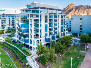 Welcome to Tempe's Edgewater at Hayden Ferry - 8 story resort living with concierge service and underground parking. Walk to ASU and Mill Ave. 5 minute drive to Sky Harbor and 10 minutes from Old Town Scottsdale.