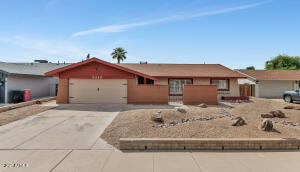 8249 E MONTEBELLO Avenue, Scottsdale, AZ 85250