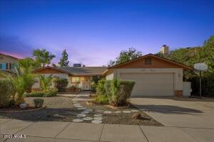 2647 W MENDOZA Circle, Mesa, AZ 85202