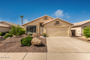 56 S LAGUNA Drive, Gilbert, AZ 85233