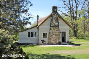 200 Melbourne Rd, Pittsfield, MA 01201