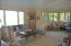 living room w sitting area
