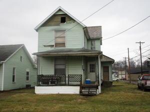 809 Garfield Avenue, Cambridge, OH 43725