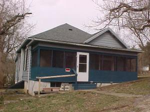 160 E Main Street, Corning, OH 43730