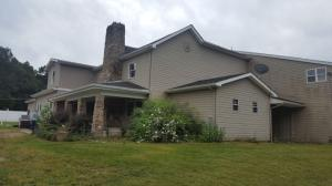 1104 E PIKE RD, Indiana, PA 15701