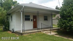 708 W 10th Street, Johnston City, IL 62951