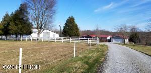 86 Saddle Drive, Stonefort, IL 62987