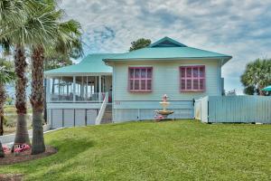 111 Lake Cswy, Santa Rosa Beach, FL 32459