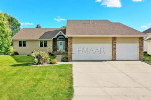 471 CLEARVIEW Court, Moorhead, MN 56560