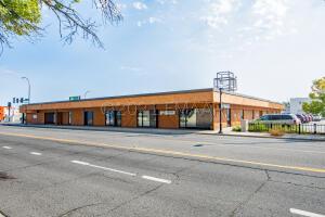 725 CENTER Avenue, Moorhead, MN 56560