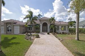 Property for sale at 861 Forest Glen Lane, Wellington,  Florida 33414