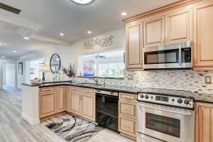 388 Villa Drive S, Atlantis, FL 33462