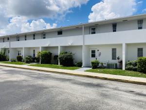 68 East Court, Royal Palm Beach, FL 33411