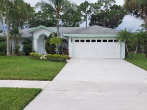 153 Saratoga Boulevard W, Royal Palm Beach, FL 33411