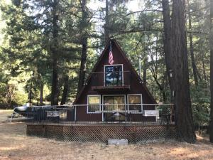 #54 Spinner Willow Road, Ruth Lake, CA 95526