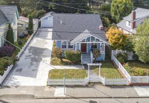 1027 Main Street, Ferndale, CA 95536